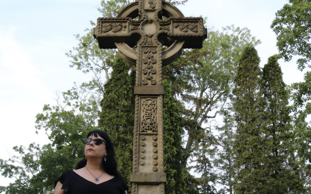 A Goth's Guide to Visiting Cemeteries