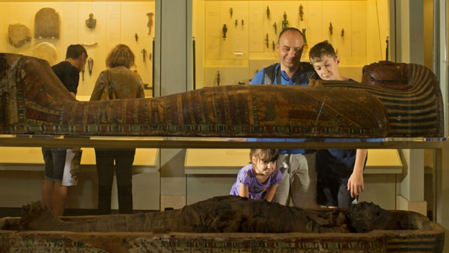 Is it ethical to visit Egyptian Mummies?