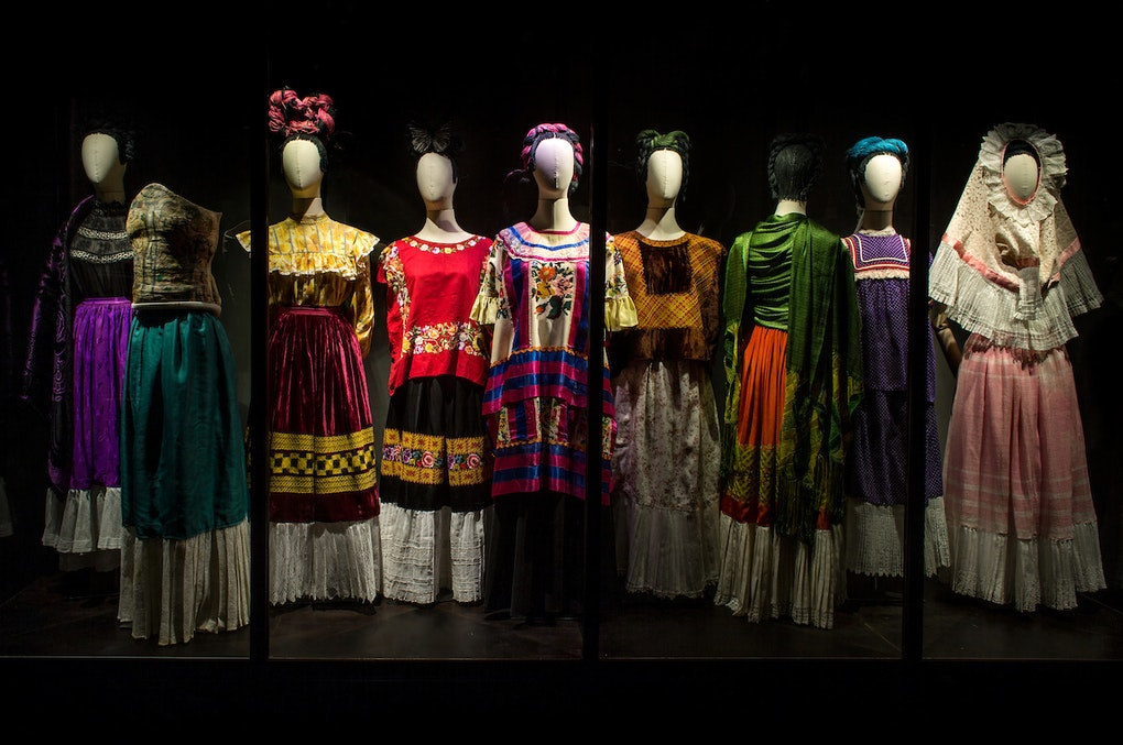 Frida Khalo dresses in a museum