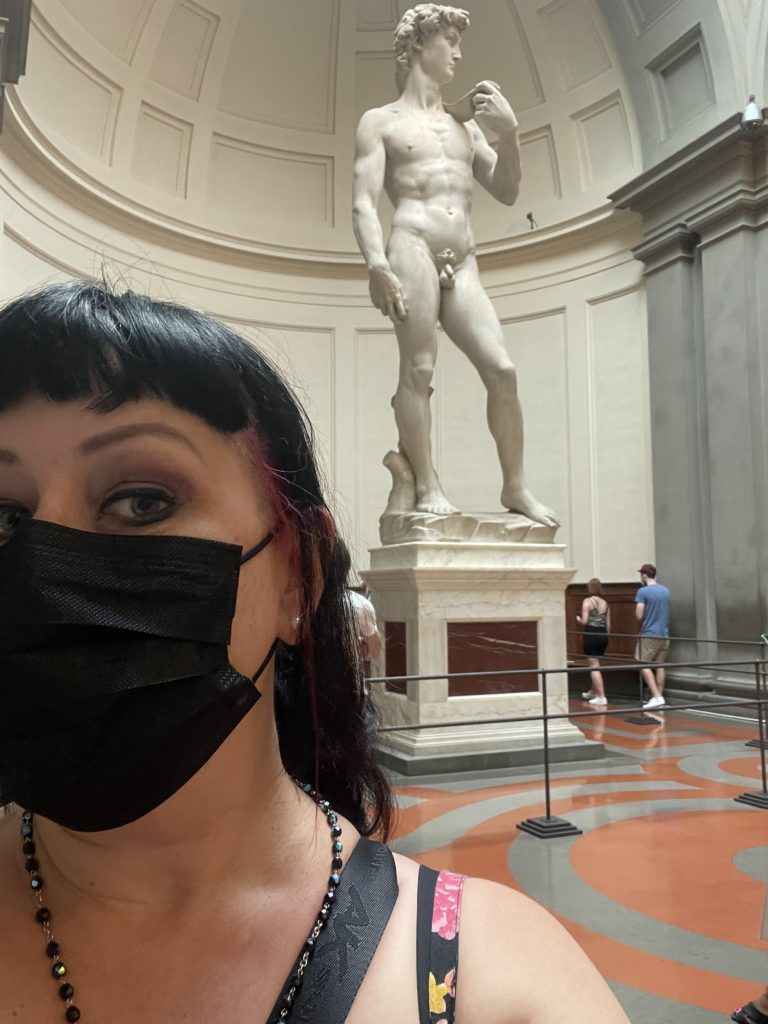 Wear your mask in Italy museums